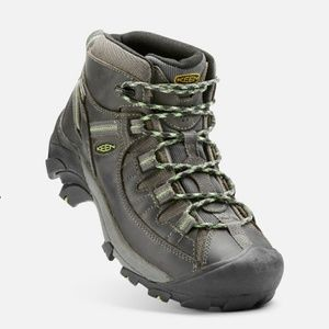 Keen Targhee II waterproof mid hiking boots